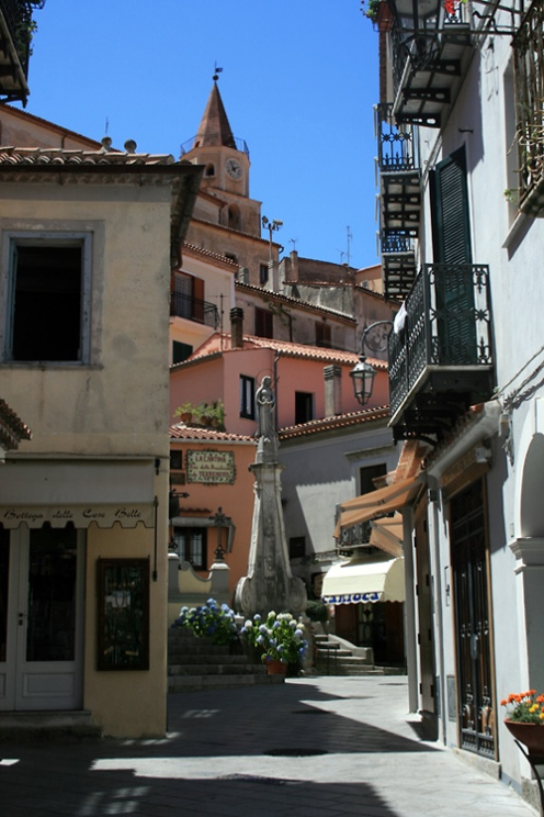 Street in the town of Maratea - www.understandingitaly.com